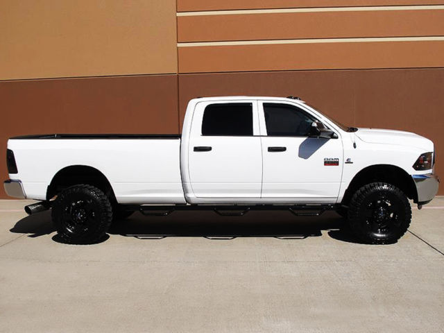 2012 dodge ram 2500 st crew cab long bed 6 7l cummins diesel 4x4 lifted 1owner. Black Bedroom Furniture Sets. Home Design Ideas