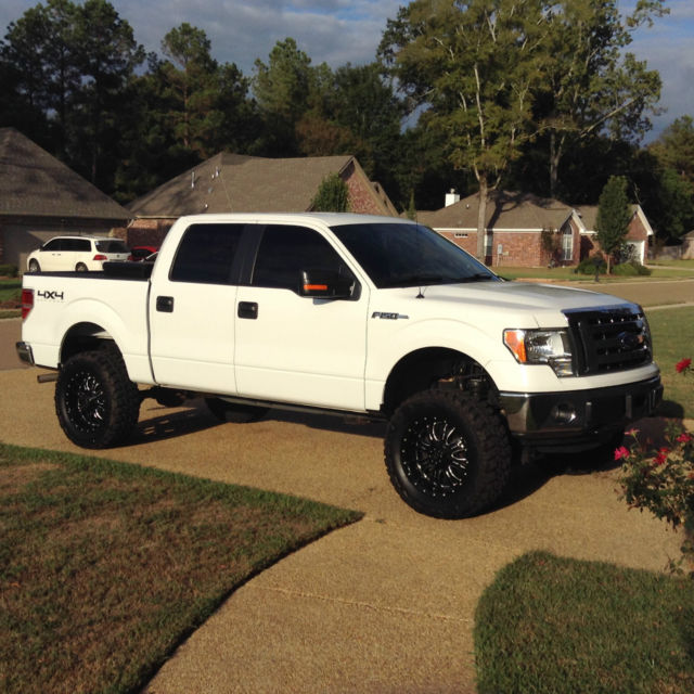 2012 Ford F-150 Super Crew XLT 5.0L Lifted 35's 4x4 Ford