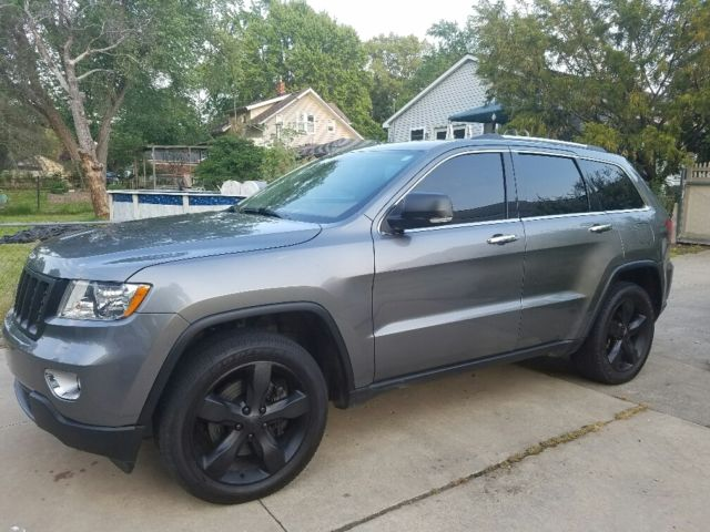 2012 jeep grand cherokee overland summit edition 5 7l hemi. Black Bedroom Furniture Sets. Home Design Ideas