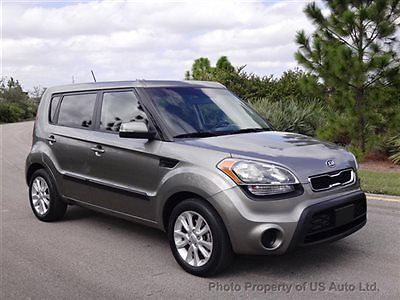 2012 Kia Soul Clean Carfax Great MPG! Warranty! Florida Car USB MP3 Auto CD