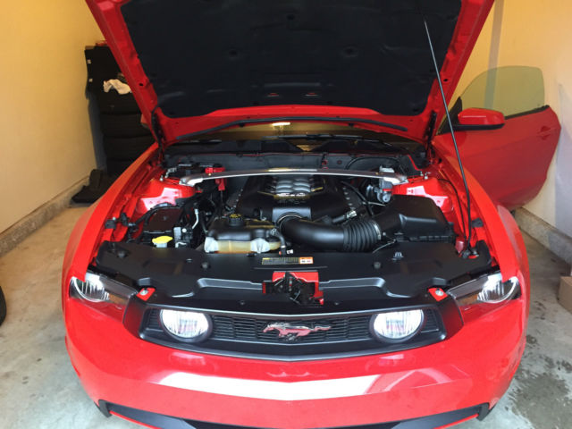 2012 mustang gt premium with brembo package. Black Bedroom Furniture Sets. Home Design Ideas