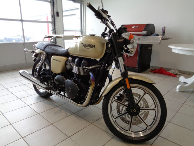2012 Triumph Bonneville 865 Cc Gold Paint 1 Owner Garage Kept Mint