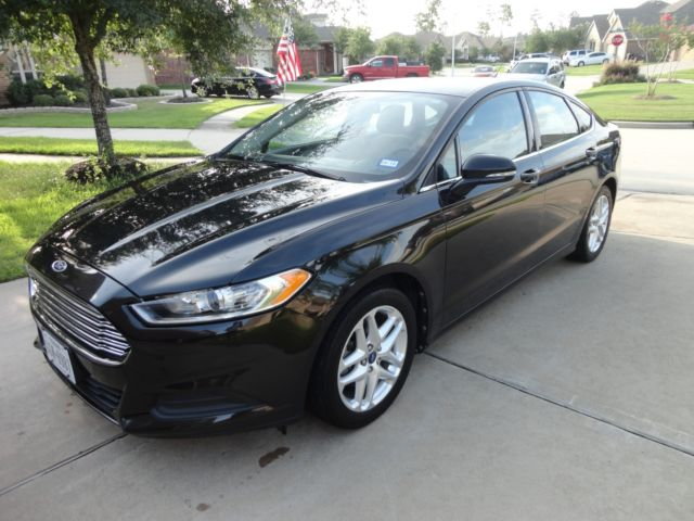 2013 black ford fusion very clean lots of features sunroof microsoft sync. Black Bedroom Furniture Sets. Home Design Ideas