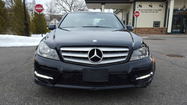 2013 C300 4matic Mercedes Salvage Rebuldable Repairable
