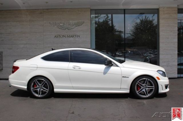 2013 c63 amg coupe 6 2l v8 32v amg development pkg. Black Bedroom Furniture Sets. Home Design Ideas