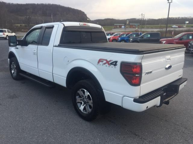2013 ford f 150 4wd supercab 145 fx4 40129 miles oxford white extended cab picku. Black Bedroom Furniture Sets. Home Design Ideas