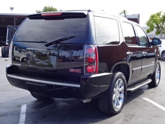 2013 gmc yukon denali damaged salvage only 23k miles. Black Bedroom Furniture Sets. Home Design Ideas