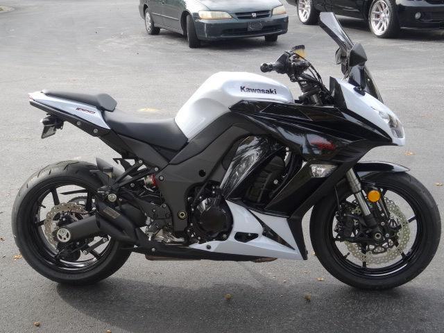 Kawasaki Ninja Abs White
