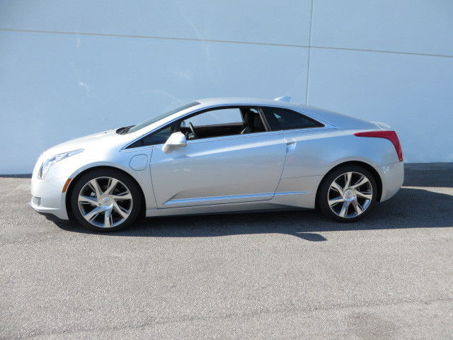 2017 Cadillac Elr Luxury Coupe 2 Door 1 4l Plug In Hybrid 30k Off Msrp
