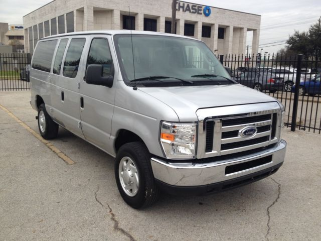 2014 ford econoline e350 xlt flexfuel passenger van. Black Bedroom Furniture Sets. Home Design Ideas