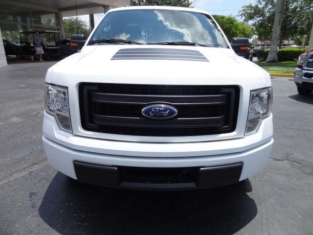 2014 ford f 150 stx 24405 miles white truck 3 7l v6. Black Bedroom Furniture Sets. Home Design Ideas