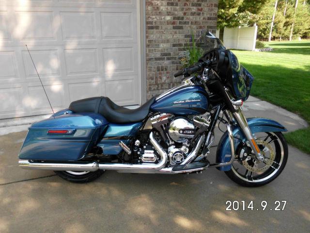Harley Davidson Daytona Blue Pearl Paint