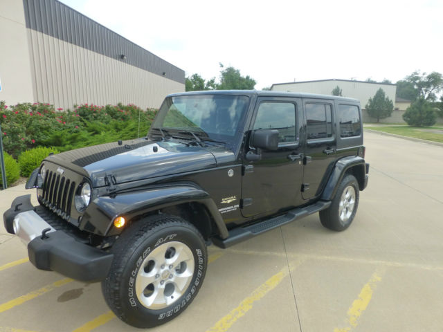 2014 jeep wrangler unlimited sahara 4x4 black hard top factory warranty. Black Bedroom Furniture Sets. Home Design Ideas
