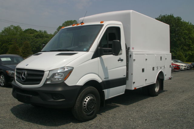 2014 MERCEDES-BENZ CAB CHASSIS WITH 12' ENCLOSED COMPOSITE ...