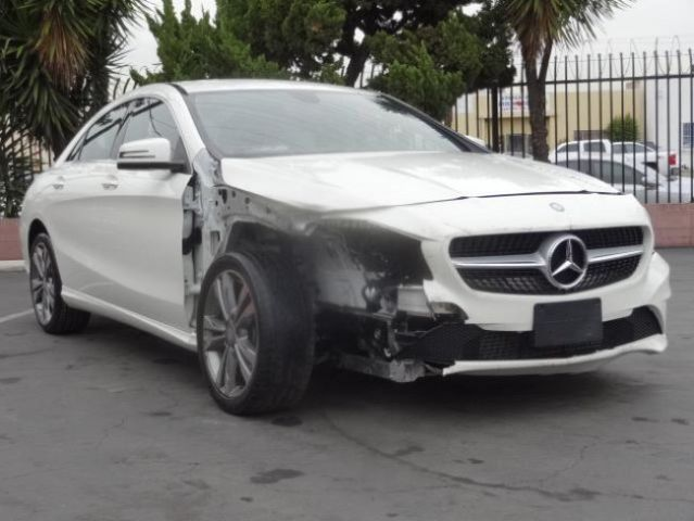 2014 mercedes benz cla 250 damaged salvage only 1k miles for Salvage mercedes benz