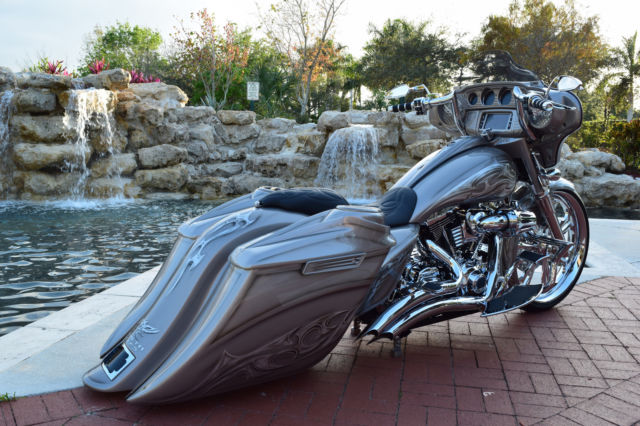 Harley Davidson Street Glide Model