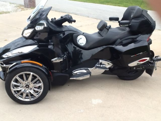 2015 can am spyder rt limited trike with can am freedom trailer. Black Bedroom Furniture Sets. Home Design Ideas