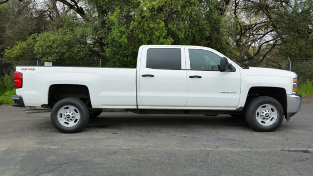 2015 chevrolet silverado 2500hd 4x4 crew cab long bed only 9k miles. Black Bedroom Furniture Sets. Home Design Ideas