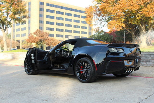 2015 corvette convertible z06 automatic triple black with sporty red trim. Black Bedroom Furniture Sets. Home Design Ideas