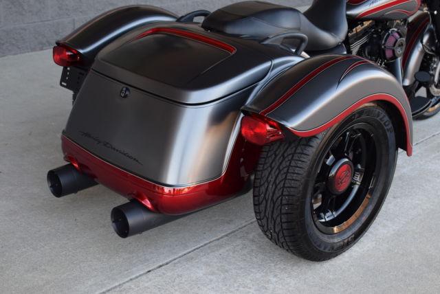 2015 Flrt Freewheeler Trike Custom 1 Of A Kind 15k In
