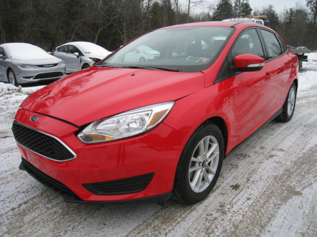 2015 ford focus se 2 0l sedan only 5k loaded light damage salvage repairable. Black Bedroom Furniture Sets. Home Design Ideas