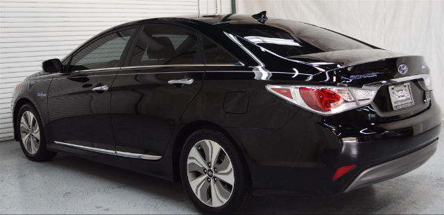 2015 hyundai sonata hybrid limited 17 631 miles eclipse black sedan 2 4l 4 cyls. Black Bedroom Furniture Sets. Home Design Ideas