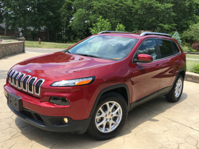 2015 Jeep Cherokee Latitude Sport Utility 4 Door 2 4l Like New Select Terrain