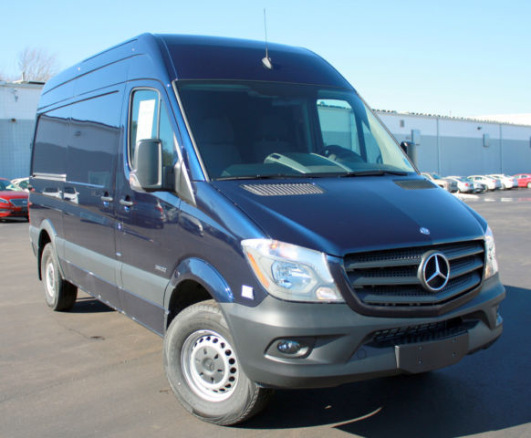 2015 mercedes benz 2500 series sprinter 144 wheelbase high roof cargo van 4cyl. Black Bedroom Furniture Sets. Home Design Ideas
