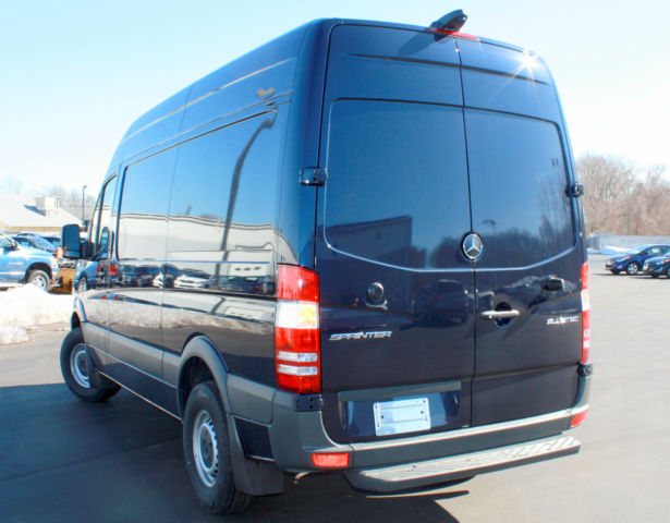 2015 mercedes benz 2500 series sprinter 144 wheelbase high for Mercedes benz 2500 cargo van
