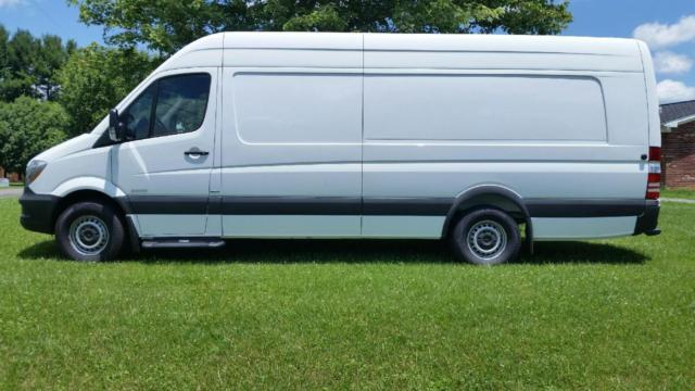 2015 mercedes benz sprinter 2500 170 extended wb cargo van white. Black Bedroom Furniture Sets. Home Design Ideas