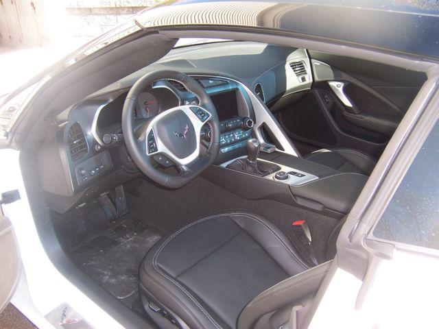 2016 corvette stingray white 2lt pkg 7 speed manual transmission. Black Bedroom Furniture Sets. Home Design Ideas