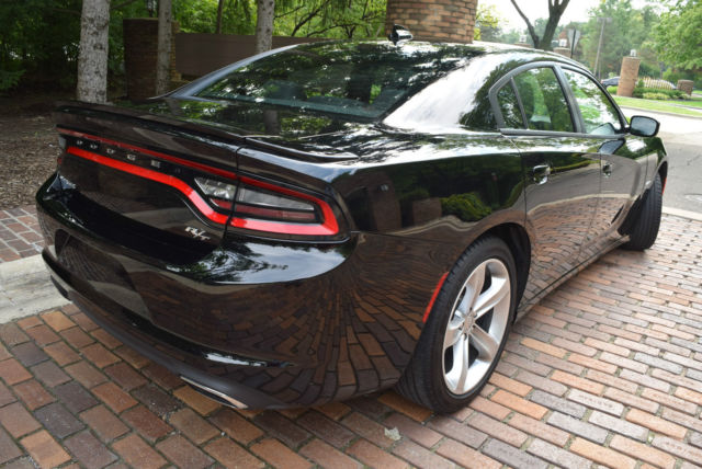 2016 dodge charger r t 5 7l hemi paddle shift 20 alloys. Black Bedroom Furniture Sets. Home Design Ideas