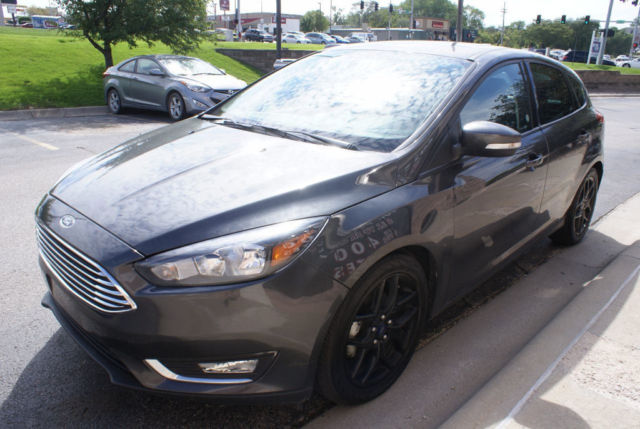 2016 ford focus se hatchback leather sunroof alloy wheels back up camera. Black Bedroom Furniture Sets. Home Design Ideas