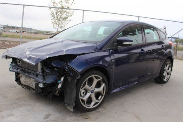 2016 ford focus st salvage wrecked repairable priced to sell gas saver l k. Black Bedroom Furniture Sets. Home Design Ideas