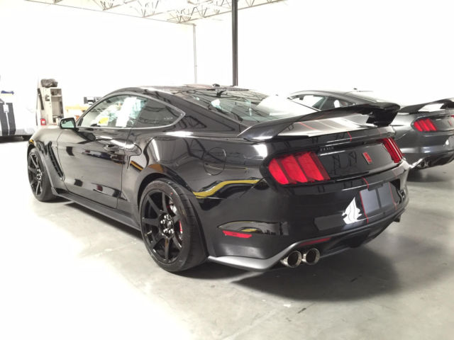 2016 ford mustang shelby gt350r shadow black with electronics pack gt350 r new. Black Bedroom Furniture Sets. Home Design Ideas
