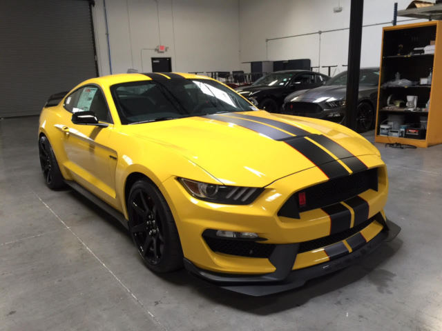 2017 Mustang Shelby Gt350 Black >> 2016 Ford Mustang Shelby GT350R TRIPLE YELLOW WITH ...