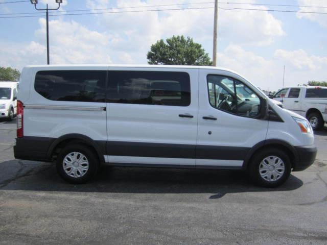 2016 ford t 150 transit 10 passenger van factory warranty clean auto check. Black Bedroom Furniture Sets. Home Design Ideas