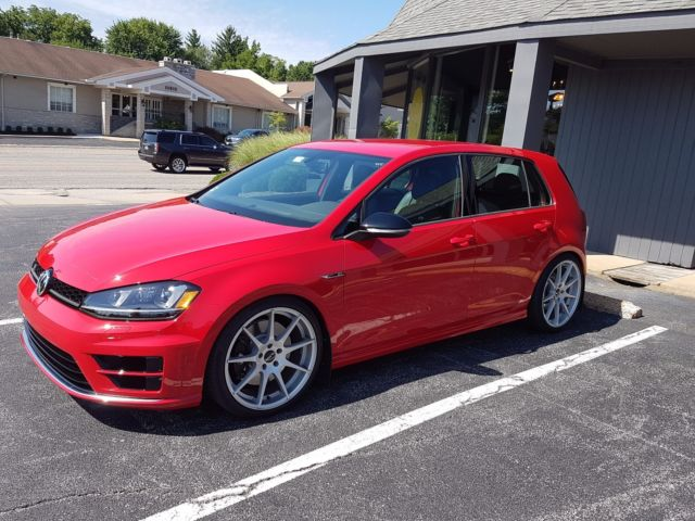 2016 Golf R 6-speed Manual with DCC and Navigation