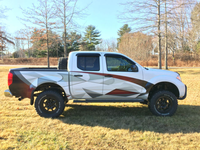 2016 nissan frontier crew cab 4x4 custom built off road truck. Black Bedroom Furniture Sets. Home Design Ideas