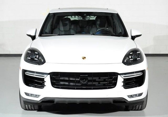 2016 Porsche Cayenne Turbo S White Black Leather