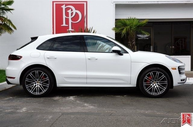 2016 Porsche Macan Turbo White Over Black Leather 8 838