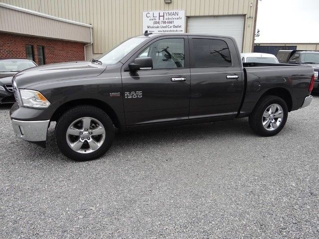 2016 ram 1500 big horn crew cab 4x4 hemi 4k orig miles navigation 1owner. Black Bedroom Furniture Sets. Home Design Ideas