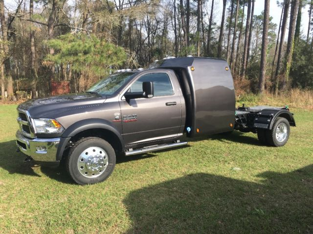 2016 Ram 5500 4x4 Cummins 6 7l With Sleeper