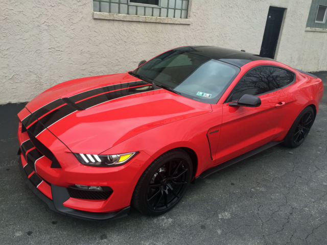 2016 Shelby Gt350 Race Red Black Roof Black Stripes
