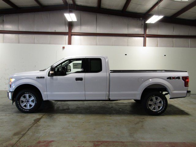 2017 ford f 150 xlt super cab 4wd v8 3 miles oxford white extended cab pickup re. Black Bedroom Furniture Sets. Home Design Ideas