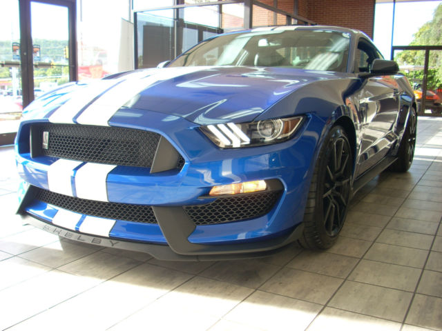 2017 FORD MUSTANG SHELBY GT350 LIGHTNING BLUE