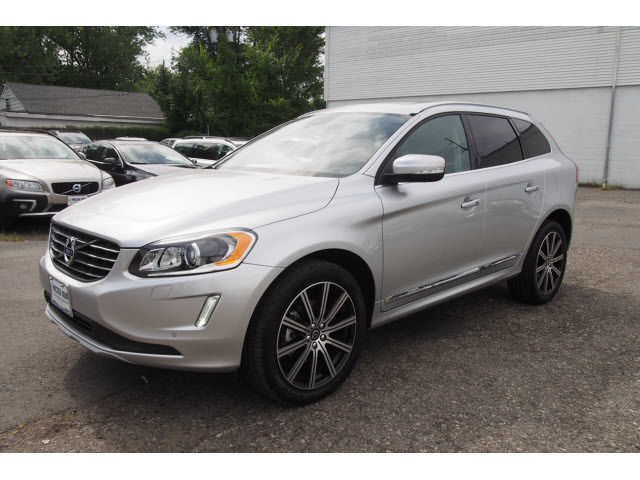 Volvo Bright Silver Awd Inscription Suv