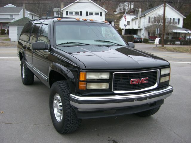 Turbo Diesel Manual Stick Shift Transmission Leather Lifted Tires Lug on 1999 Suburban Engine Size