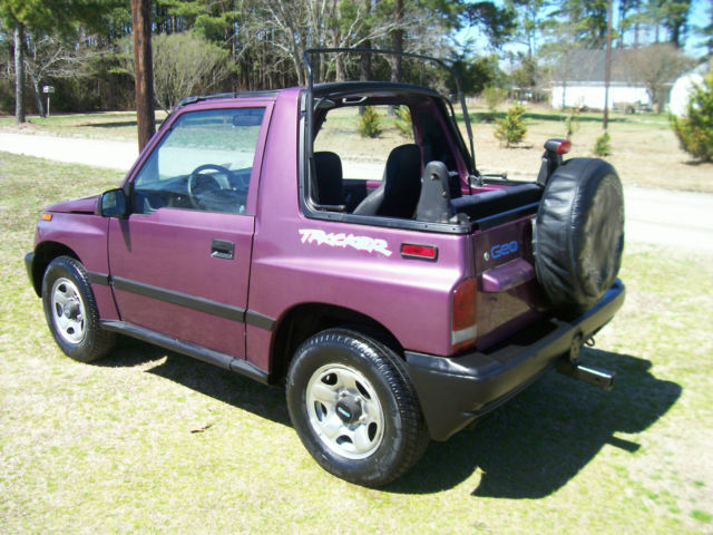 96 geo tracker 4x4 convertible low miles sidekick automatic runs pertfect towing. Black Bedroom Furniture Sets. Home Design Ideas