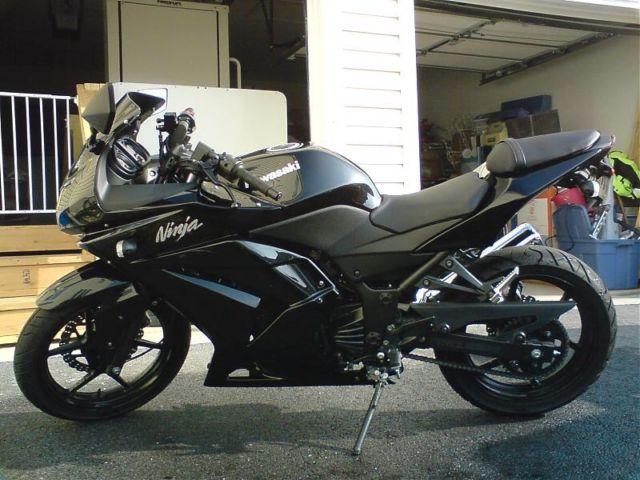 All Black 2012 Kawasaki Ninja 250r New Condition Only 900 Miles